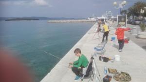 Mladi ribolovci u akciji